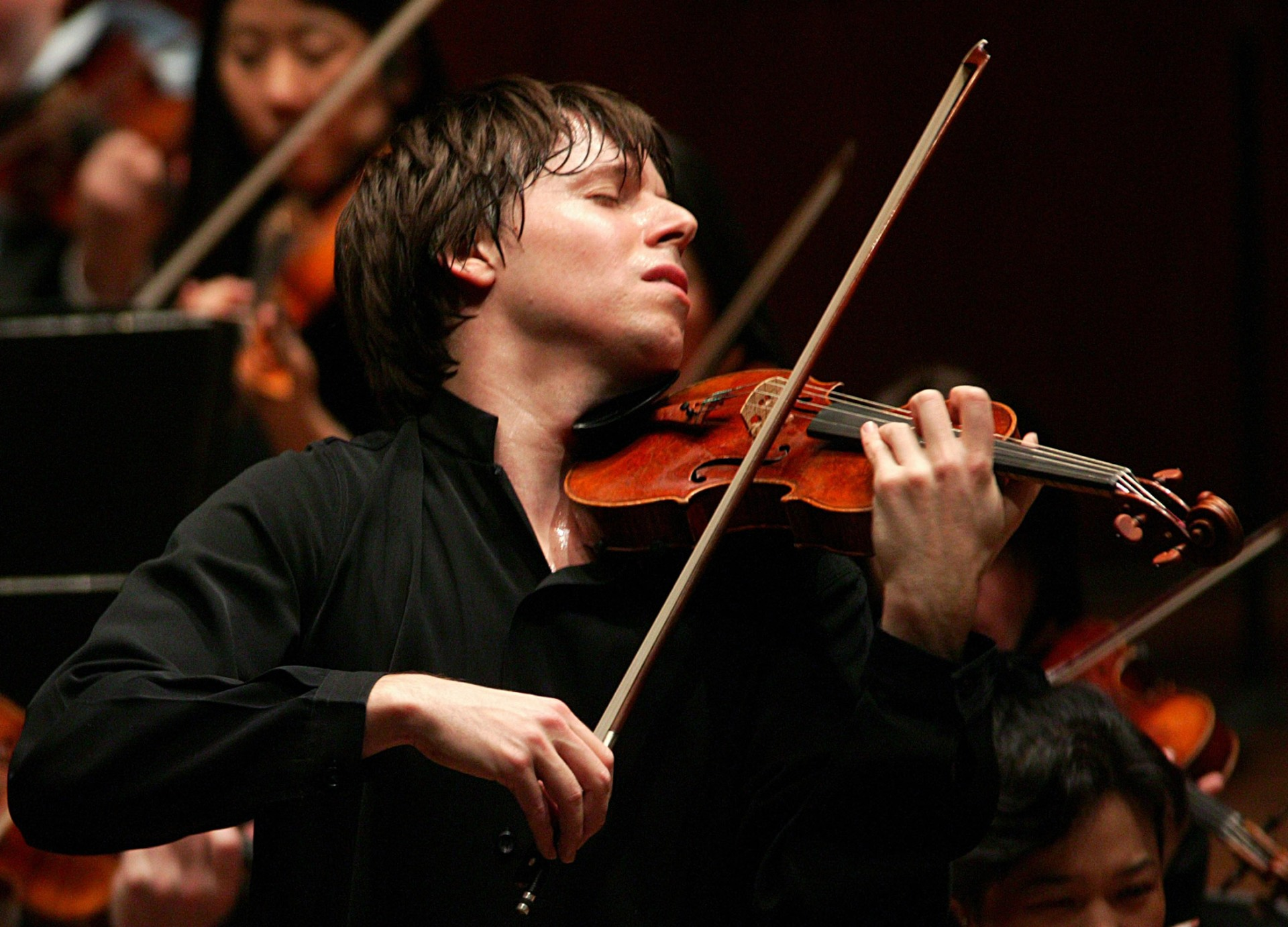 Joshua Bell Photo by Chris Lee