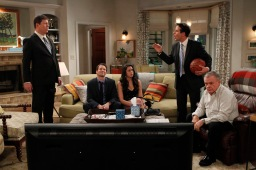 "The McCarthys s01e01 ""pilot"""