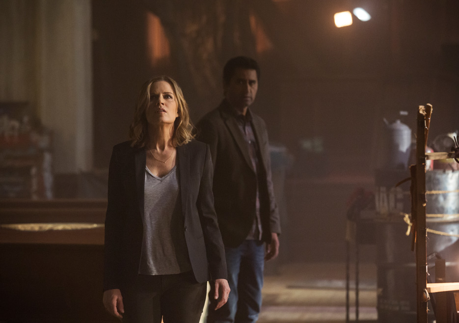 fear-the-walking-dead-episode-101-madison-dickens-travis-curtis-2-church-935